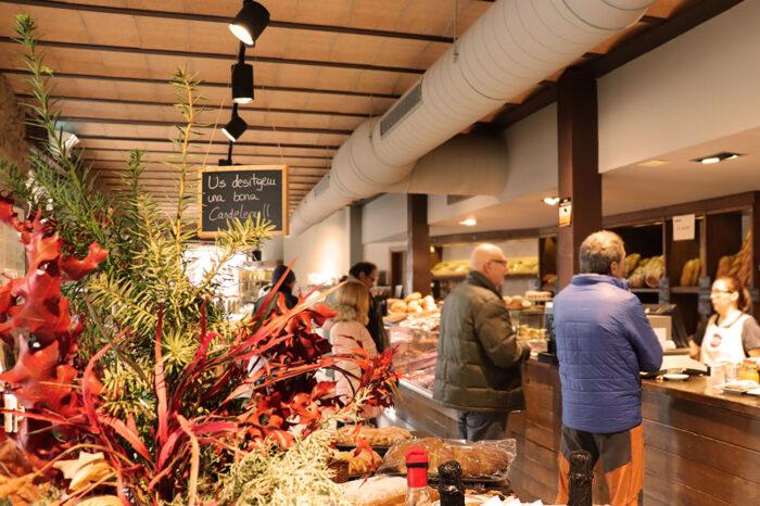 Agrobotiga del Lluçanès (granja-cafeteria i degustació)